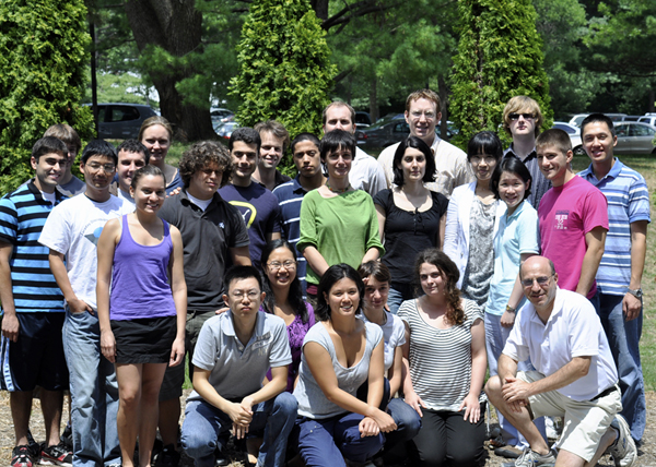 Group with summer undergraduates (Summer 2010)
